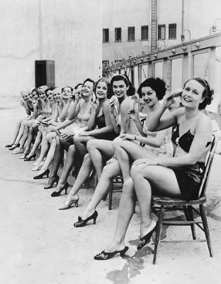 Γυναίκες πιν απ, Άνθρωποι, Image Gallery