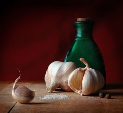 Σκόρδο, αλάτι και μπαχαρικά