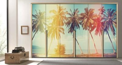 Φοίνικες στην παραλία